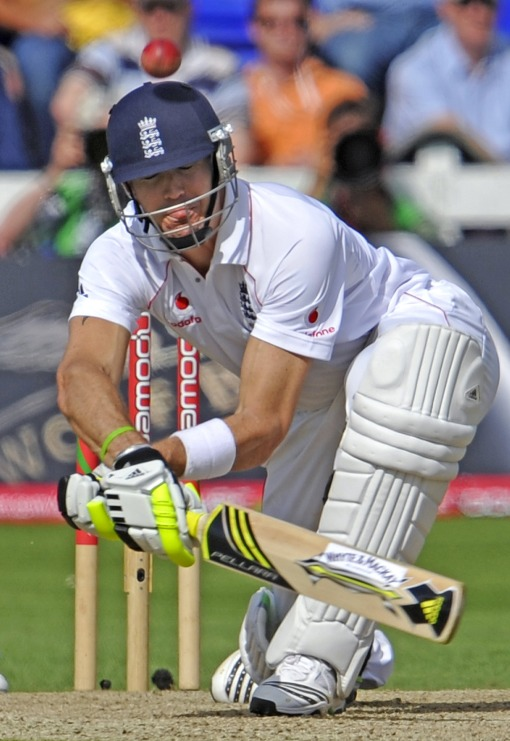 Pietersen contrives to get out